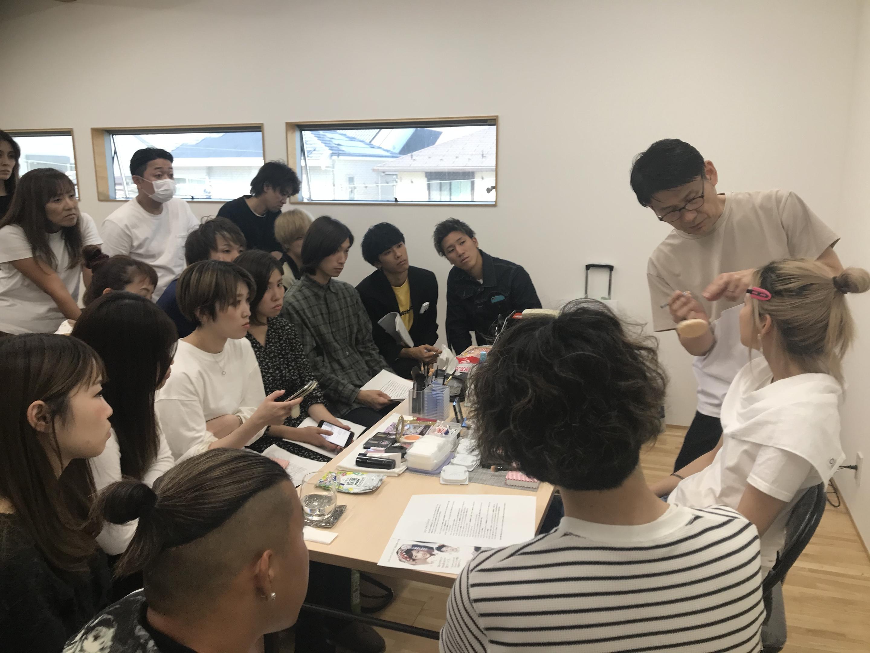 メイクアップアーティスト(名取瞳先生)によるメイクの勉強会