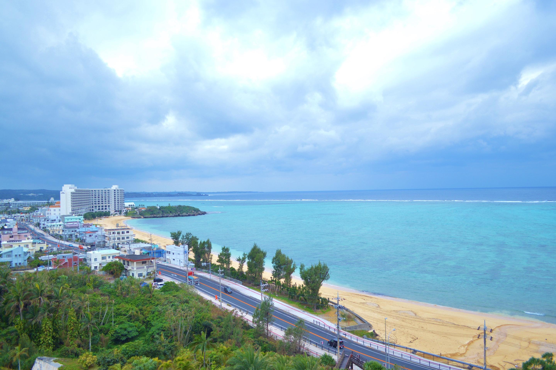 社員旅行の沖縄海風景